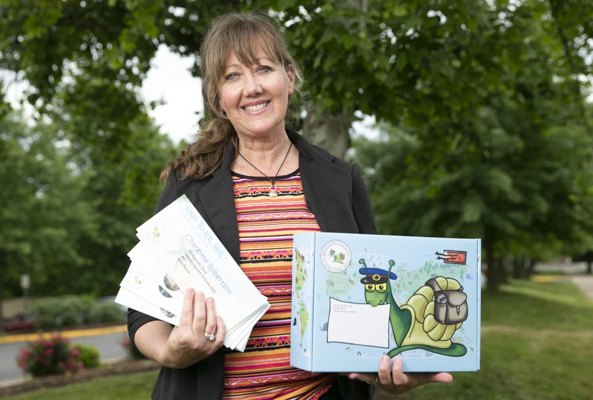 Wendy Lattimore Sunny The Mail Snail